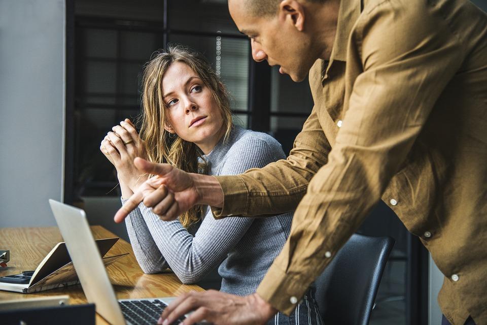 Samarbeid på jobb: 4 tips til hvordan gi og 6 tips til hvordan håndtere kritikk 1
