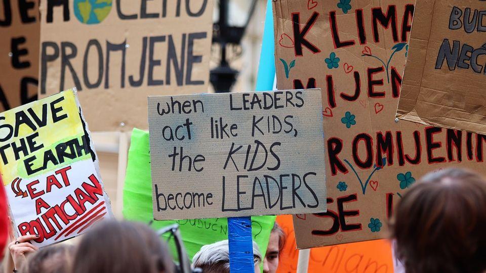 school-strike-4-climate-4057783_960_720